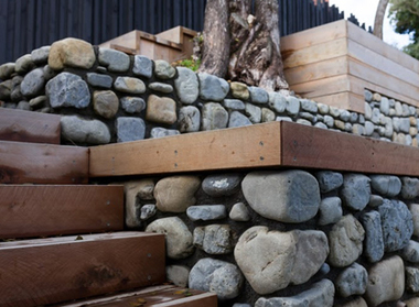Natural stone building wellington stonemasons kapiti for Landscaping rocks wellington